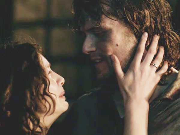 ep 115 Jamie and Claire kiss 01 KLS edited