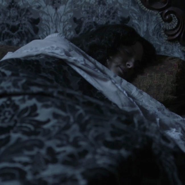 image of Jamie and Claire in bed